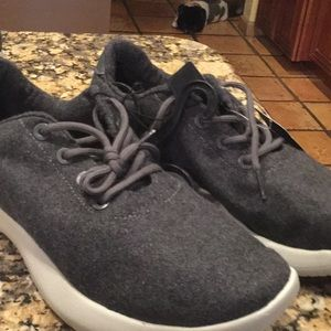 Grey Men's memory foam sneakers 10 1/2